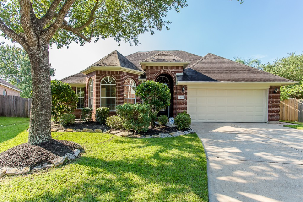 1119 Kerri Ct, Sugar Land Tx 77479